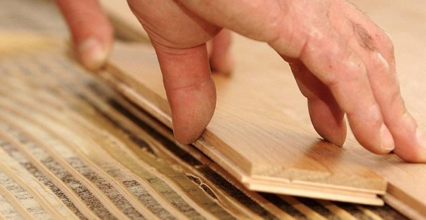 Suelo de madera encolado al subsuelo